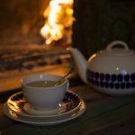 Teetä ja takkatulta