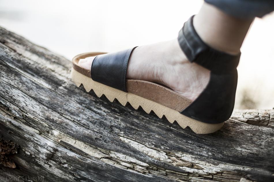 doritsalutskij-lumi-sandals-3