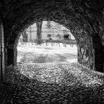 Sunnuntaikävely Suomenlinnan tunneleissa